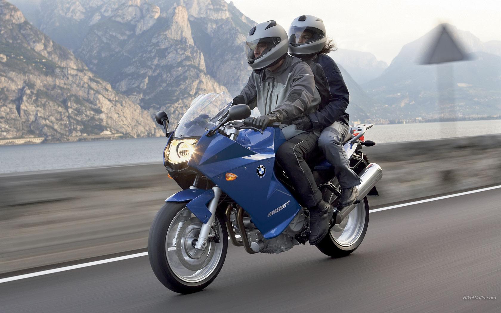 BMW_F_800_ST_2006_26_1680x1050.jpg