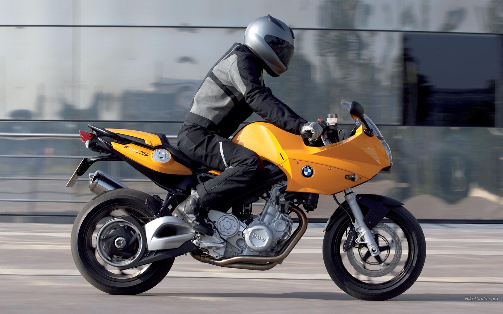 BMW_F_800_S_2006_02_1680x1050.jpg