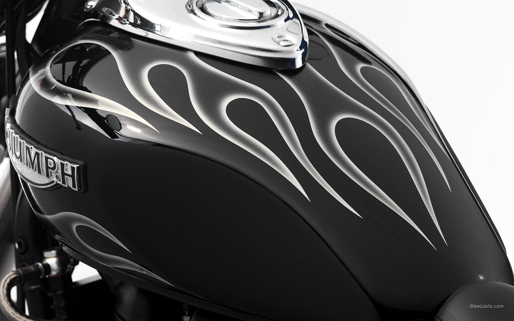 Triumph_Speedmaster_2006_06_1680x1050.jpg